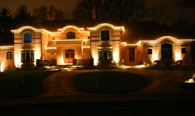white C7 holiday perimeter/outlining lighting